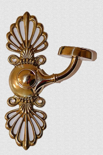 Межкомнатная дверная поворотная ручка Горбушка или Ромашка на фланце с лопухами, арт: 02-025
