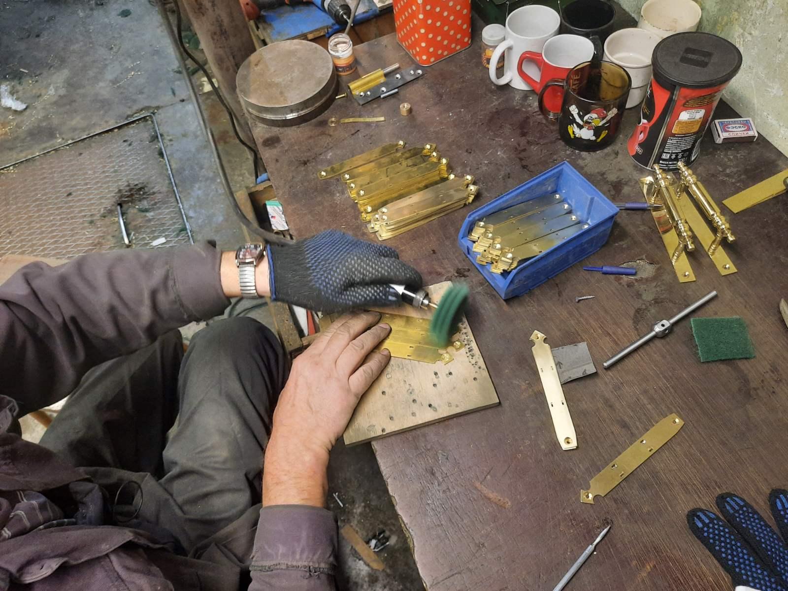 Изготовление латунной фурнитуры КГИОП